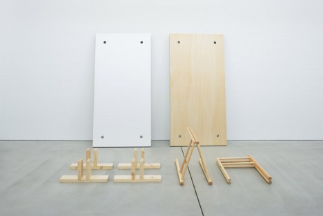 sponge-table-jo-nagasaka-design-furniture-tokyo-japan-takumi-ota_dezeen_936_3