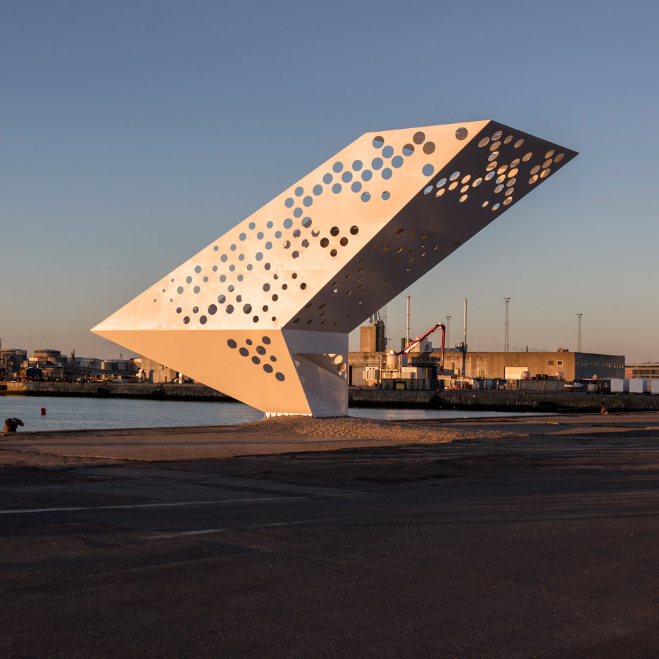 The Salling Tower at Aarhus Harbour by Dorte Mandrup