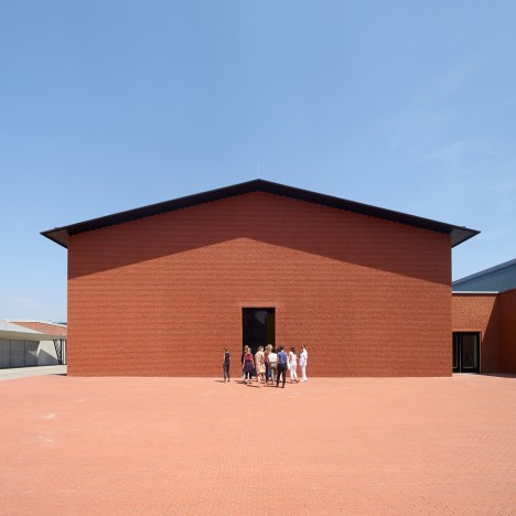 Herzog & de Meuron adds new gallery building to Vitra Design Museum