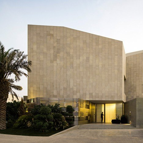 AGi Architects completes Kuwait house featuring four secluded roof terraces