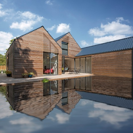 Baca completes flood-resilient home beside an Oxfordshire brook