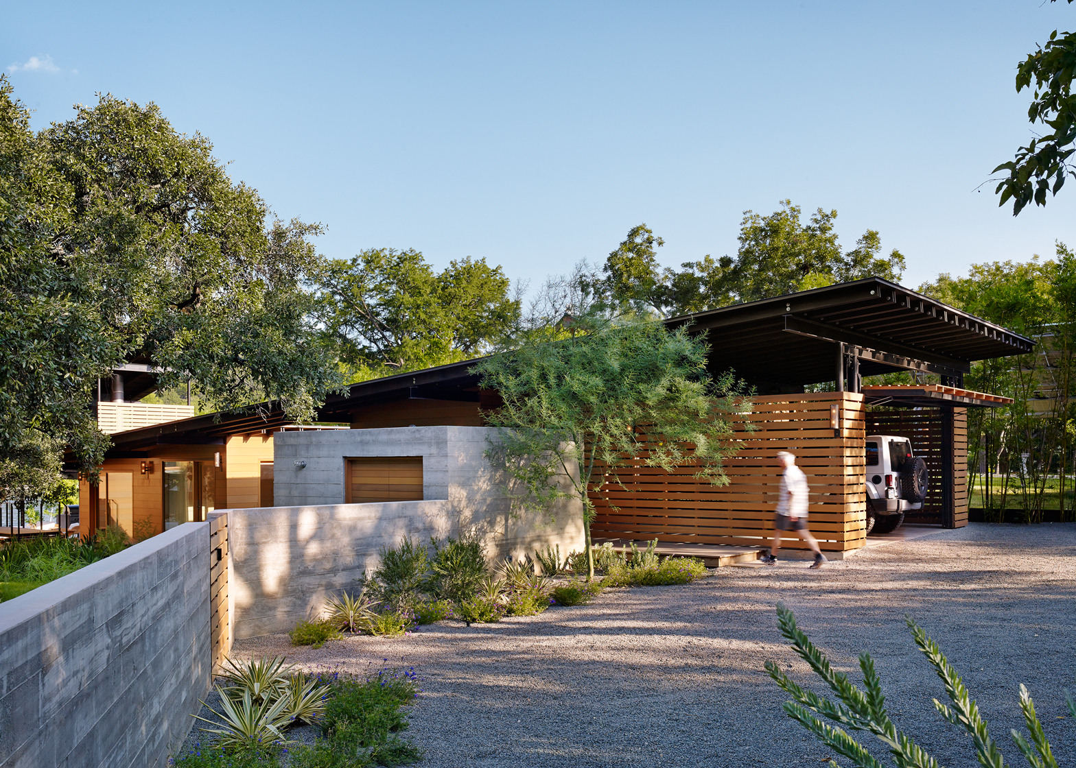 Hog Pen Creek Retreat; Austin, Texas by Lake|Flato Architects. Photography by Casey Dunn