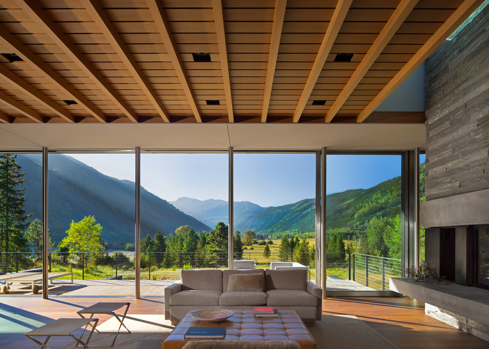 Independence Pass Residence; Aspen, Colorado by Bohlin Cywinski Jackson. Photograph by Nic Lehoux