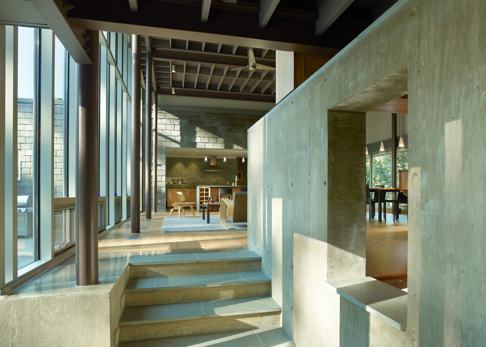 Oak Ridge House; Jackson, Mississippi by Duvall Decker Architects. Photography by Timothy Hursley
