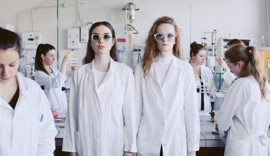 bioplastic-sunglasses-collection-1-crafting-plastics-milan-design-week-2016-fashion-anna-smoronova_dezeen_936_5