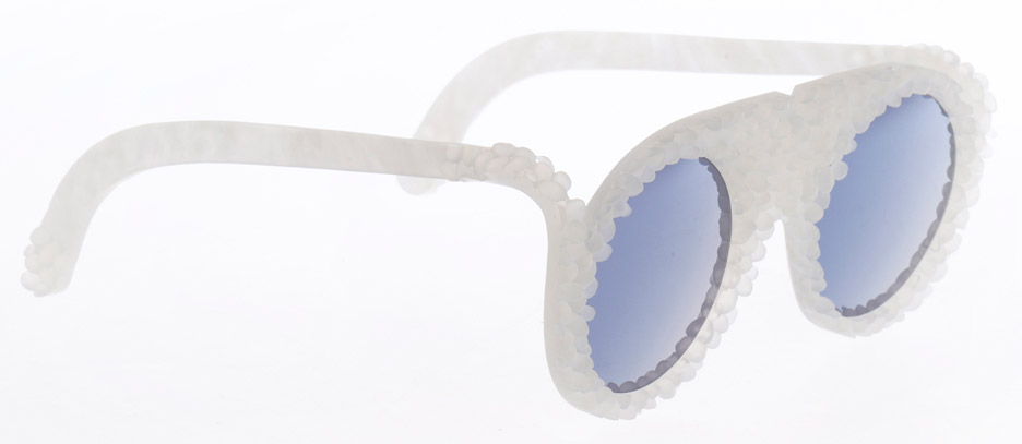 bioplastic-sunglasses-collection-1-crafting-plastics-milan-design-week-2016-fashion_dezeen_936_1