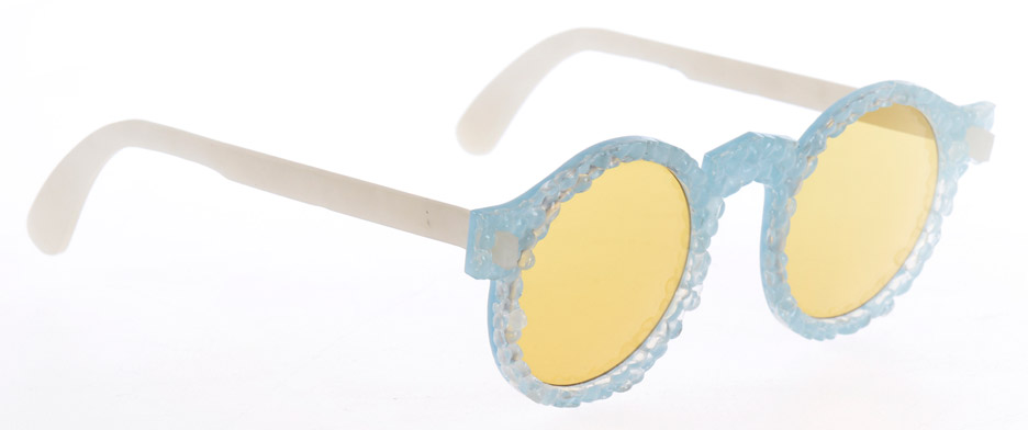 bioplastic-sunglasses-collection-1-crafting-plastics-milan-design-week-2016-fashion_dezeen_936_3