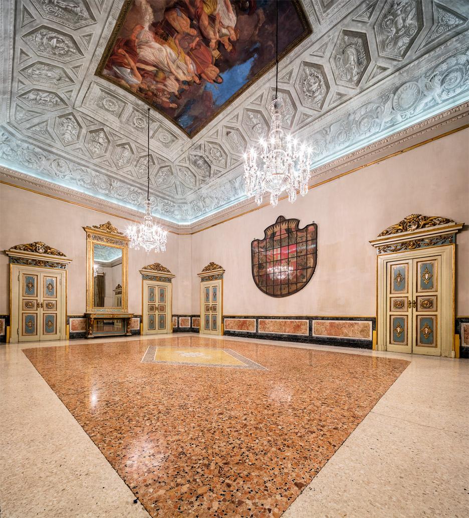 Lasvit restores crystal chandeliers for Milan design week