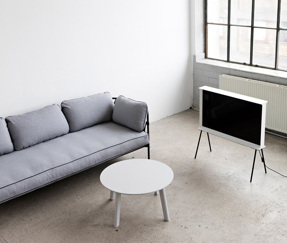 bouroullec brothers design flat pack can sofa for hay. Black Bedroom Furniture Sets. Home Design Ideas