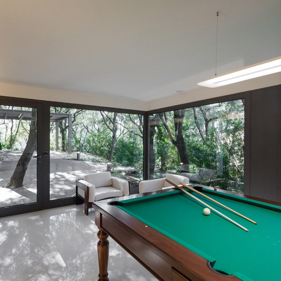 casa-nel-bosco-officina29-architetti-house-in-the-woods-joao-morgado_dezeen_936_29