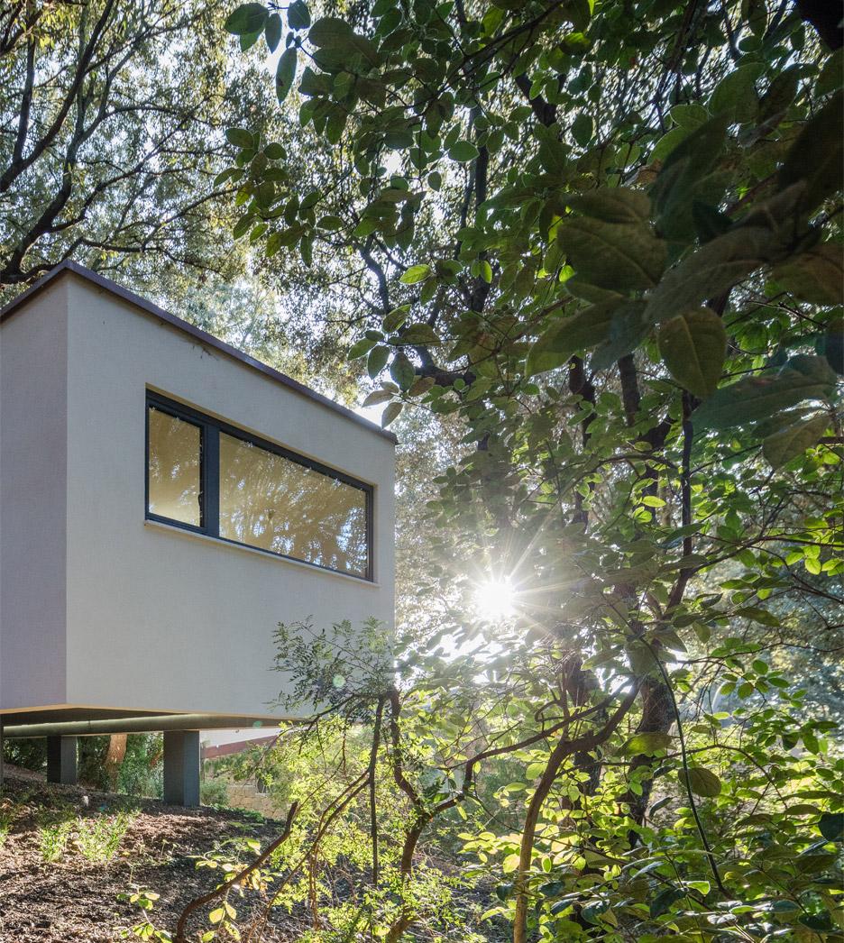 casa-nel-bosco-officina29-architetti-house-in-the-woods-joao-morgado_dezeen_936_50