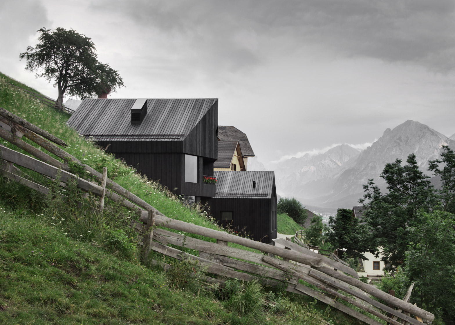 Chalet Pa Pedevilla by Pedevilla Architects
