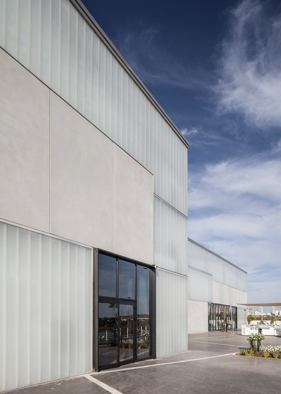Lago events hall by Pitsou Kedem in Rishon LeZion, Israel architecture