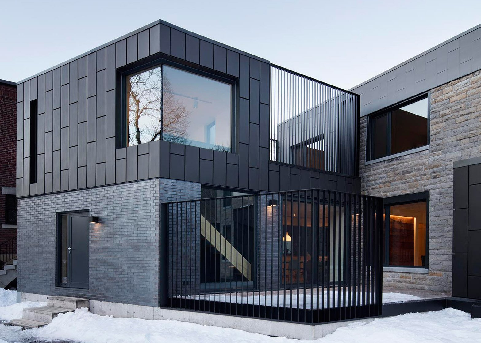 Exceptionnel Naturehumaine adds zinc-clad extension to Montreal home SD17