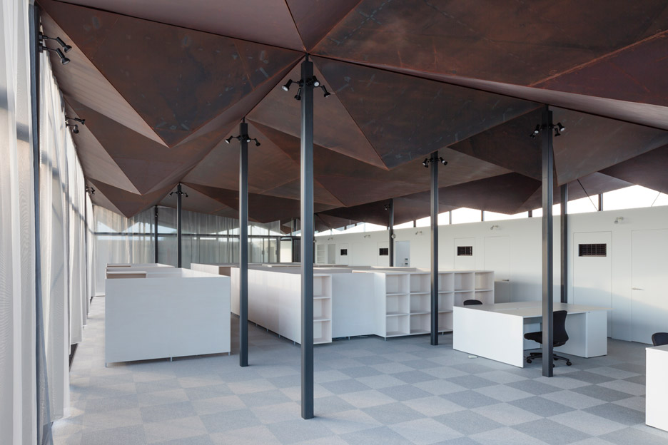 office-building-daiei-iron-works-nta-nicholas-tye-architects-commerical-architecture_dezeen_936_2