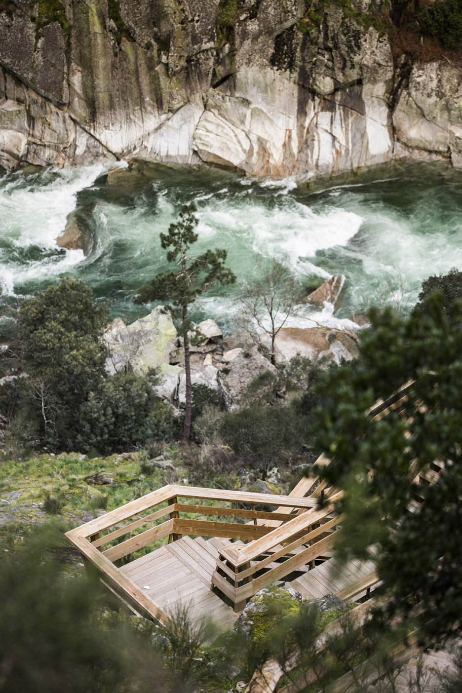Paiva Walkways by Trimetrica, photographed by Nelson Garrido