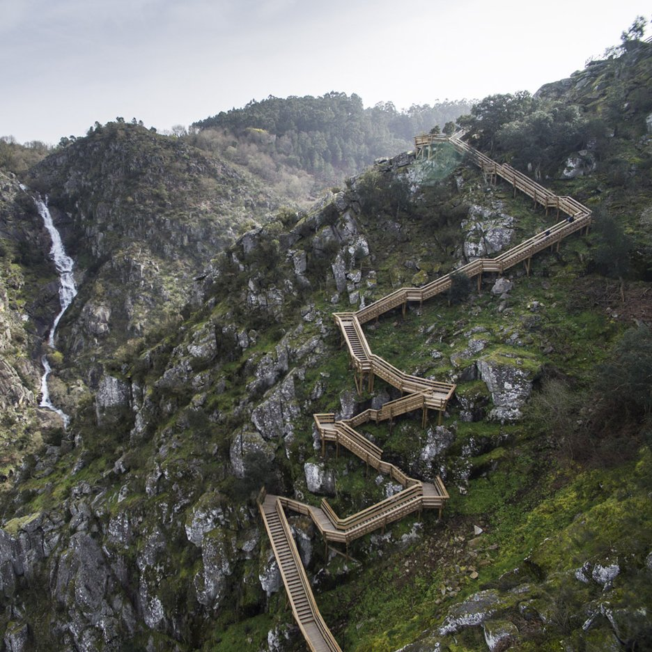 Eight-kilometre-long mountain walkway captured in new photographs by Nelson Garrido