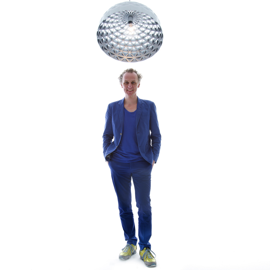 Richard Hutten with his Superform lamp for Qeeboo