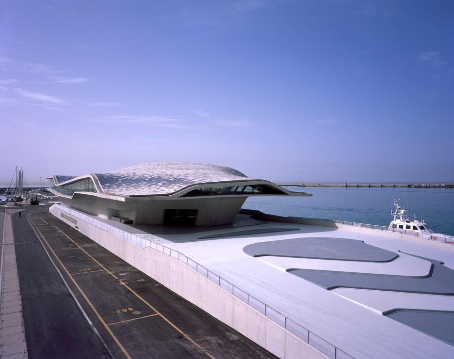 salerno-maritime-terminal-zaha-hadid-architects-helene-binet-italy_dezeen_936_0