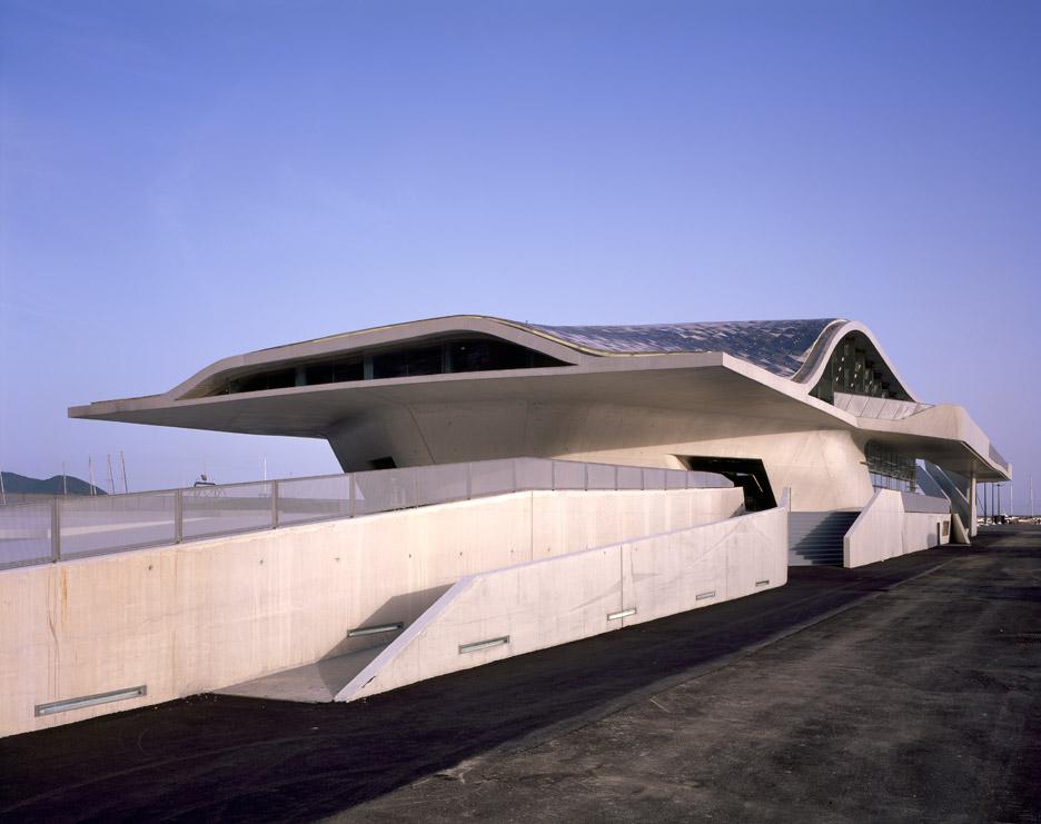 salerno-maritime-terminal-zaha-hadid-architects-helene-binet-italy_dezeen_936_2