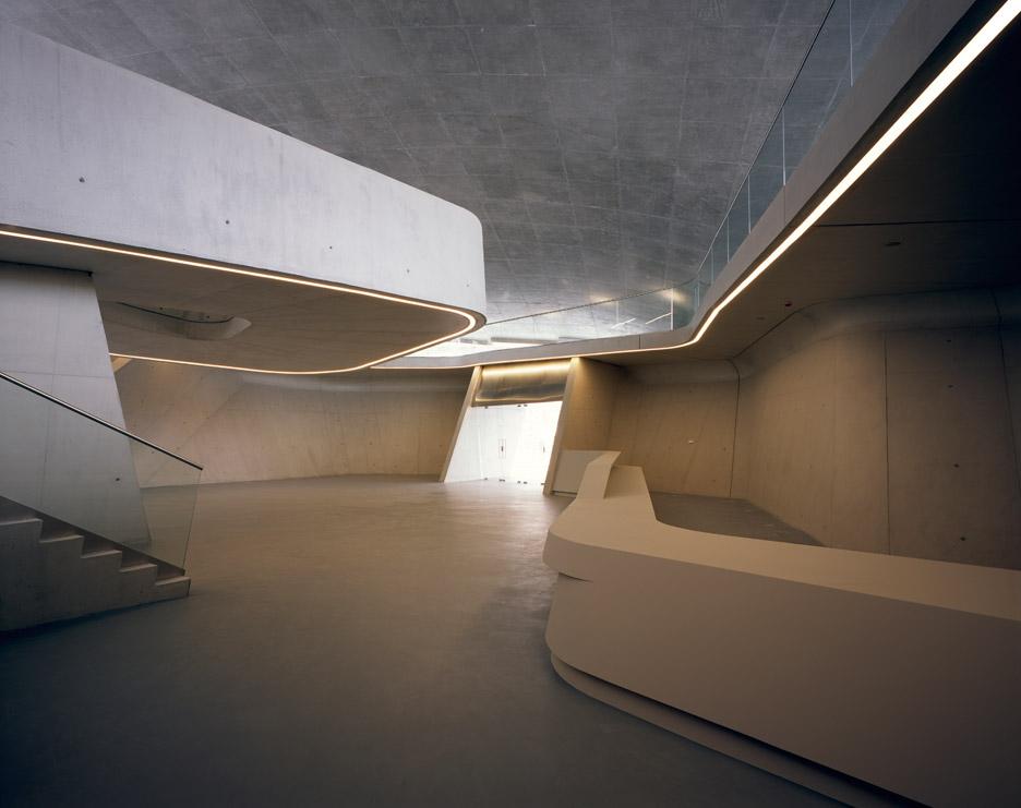 salerno-maritime-terminal-zaha-hadid-architects-helene-binet-italy_dezeen_936_9