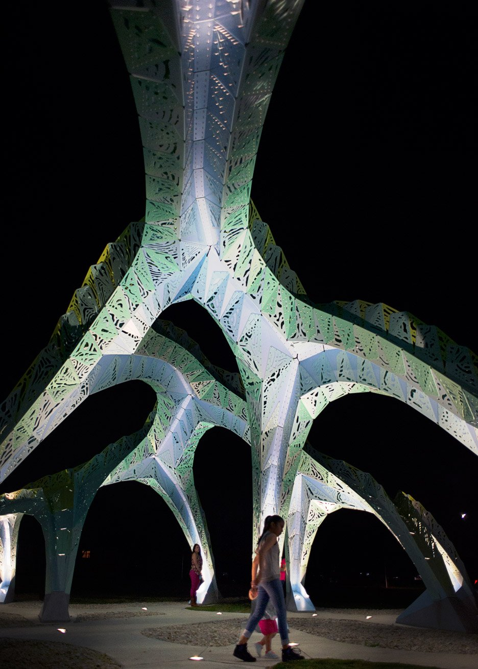 Spineway by Marc Fornes and theverymany public architecture in San Antonia, Texas, USA