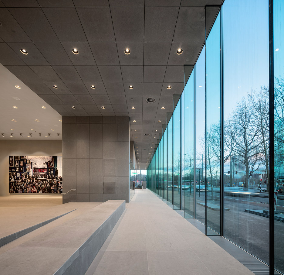 supreme-court-the-hague-kaan-fernando-guerra_dezeen_936_3
