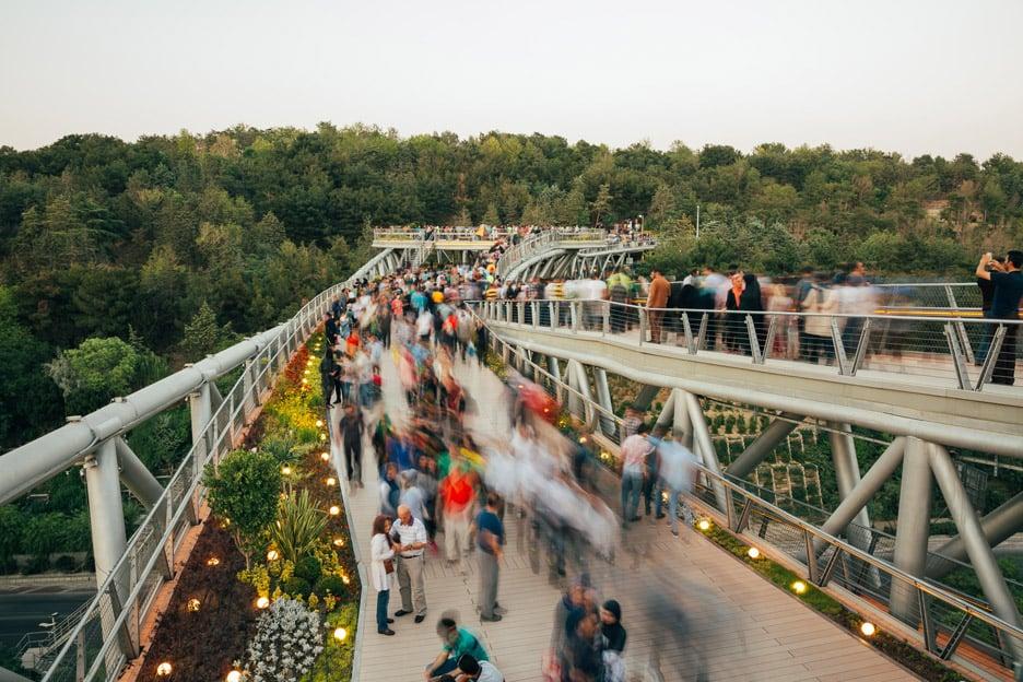 tabiat-bridge-diba-tensile-architecture-tehran-iran-extra_dezeen_936_4