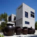 "FHHH Friends creates ""rough and ready"" concrete tea-fermentation facility in South Korea"