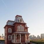 Cornelia Parker installs Hitchcock-influenced PsychoBarn on Met museum rooftop