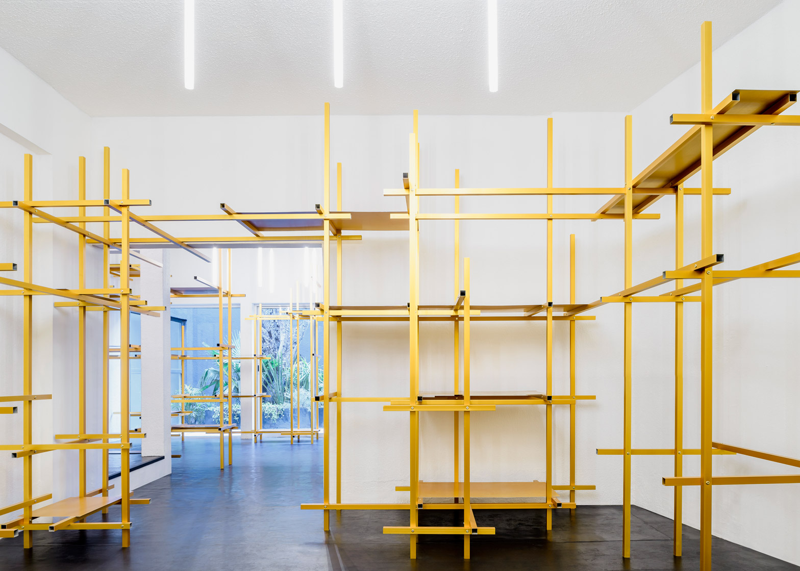 Troquer showroom by Zeller & Moye