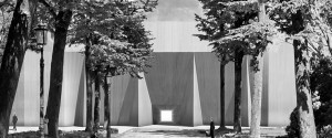venice-italy-giardini-in-silence-pavilions-raaaf-covered-architecture-design-marcel-moonen_dezeen_rhs