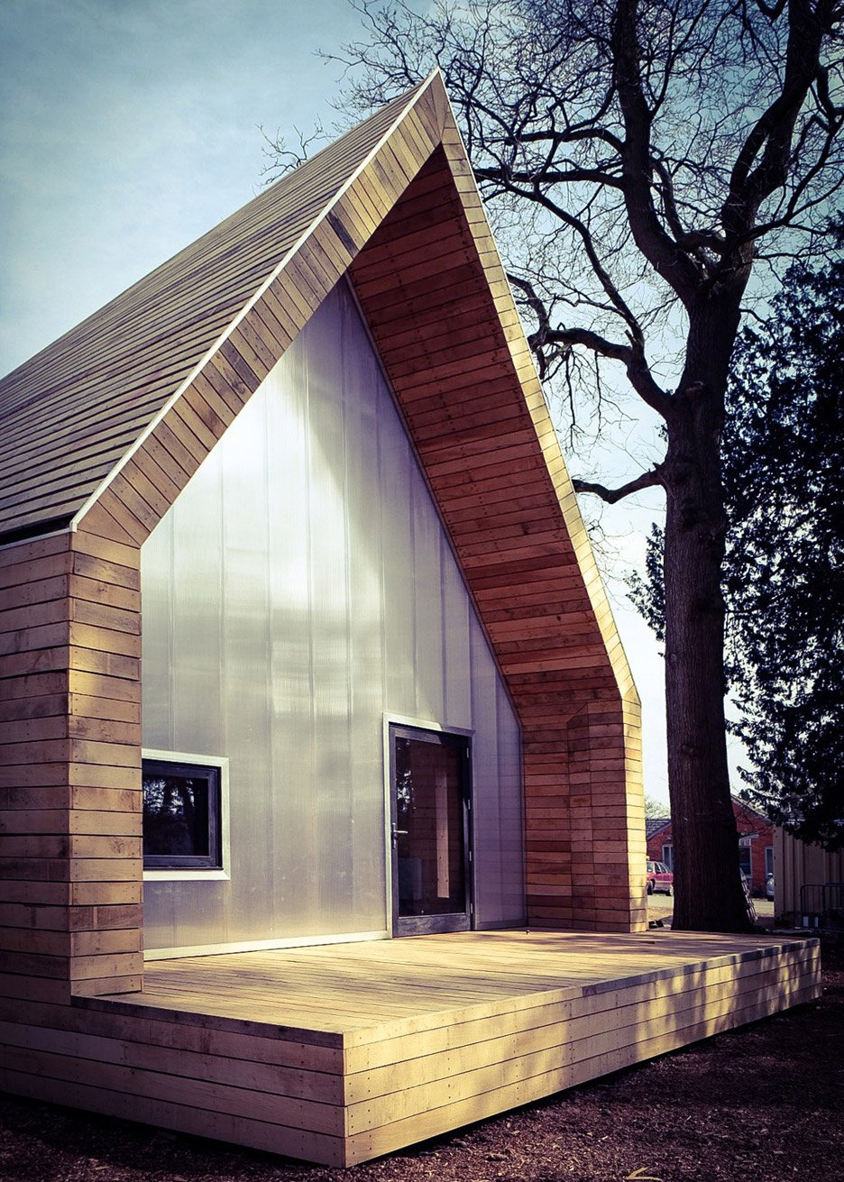 Wolfson Tree Management Centre by Invisible Studio
