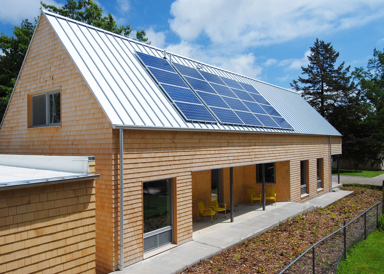 Studio 804 builds a net-zero energy Kansas home on