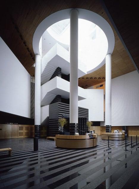 SFMOMA staircase and lobby by Mario Botta
