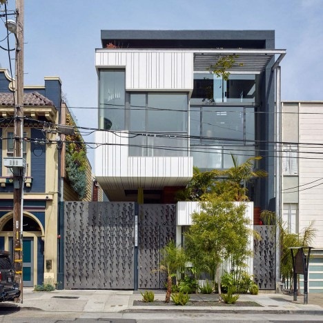 Kennerly clads San Francisco townhouse in glass and white plastic