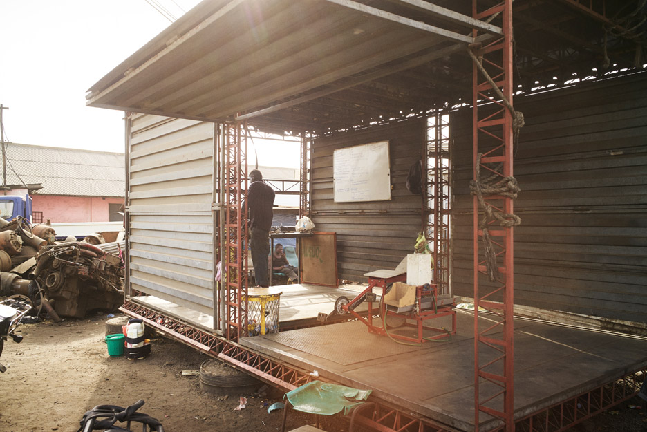 Agbogbloshie makerspace platform creates mobile workshops for Apartment makerspace