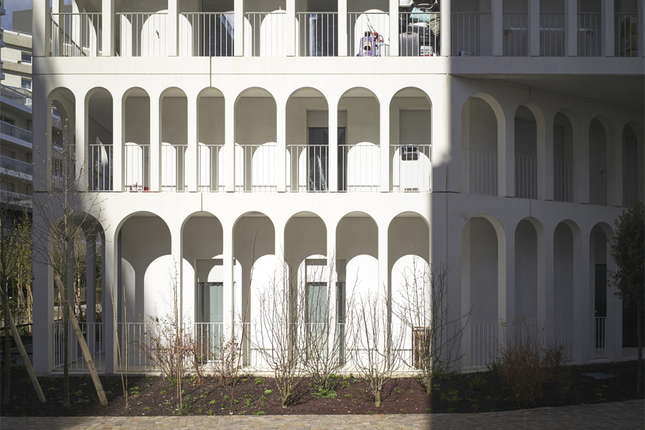 Photograph by Julien Lanoo of Photograph by Julien Lanoo of Arches Boulogne by Antonini Darmon, a social housing scheme in Paris, France