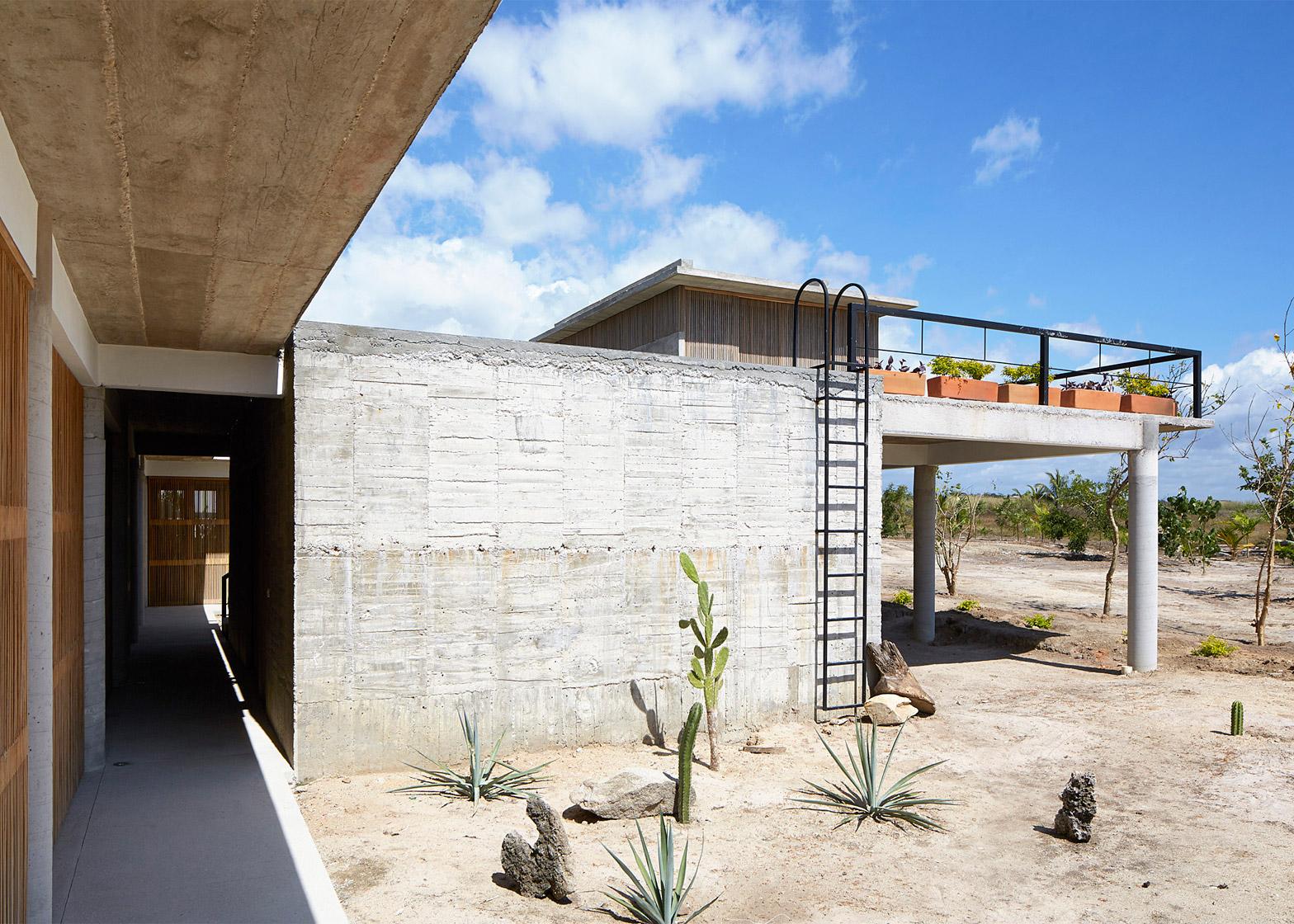 Baaq House by Alfonso Qunones