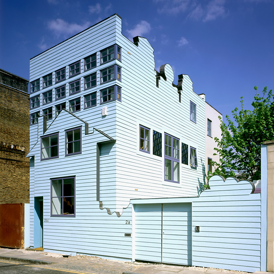 FAT's seminal Blue House set for rooftop extension