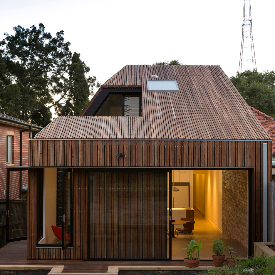 Cutaway Roof House Has A Courtyard Sliced Out Of One Side