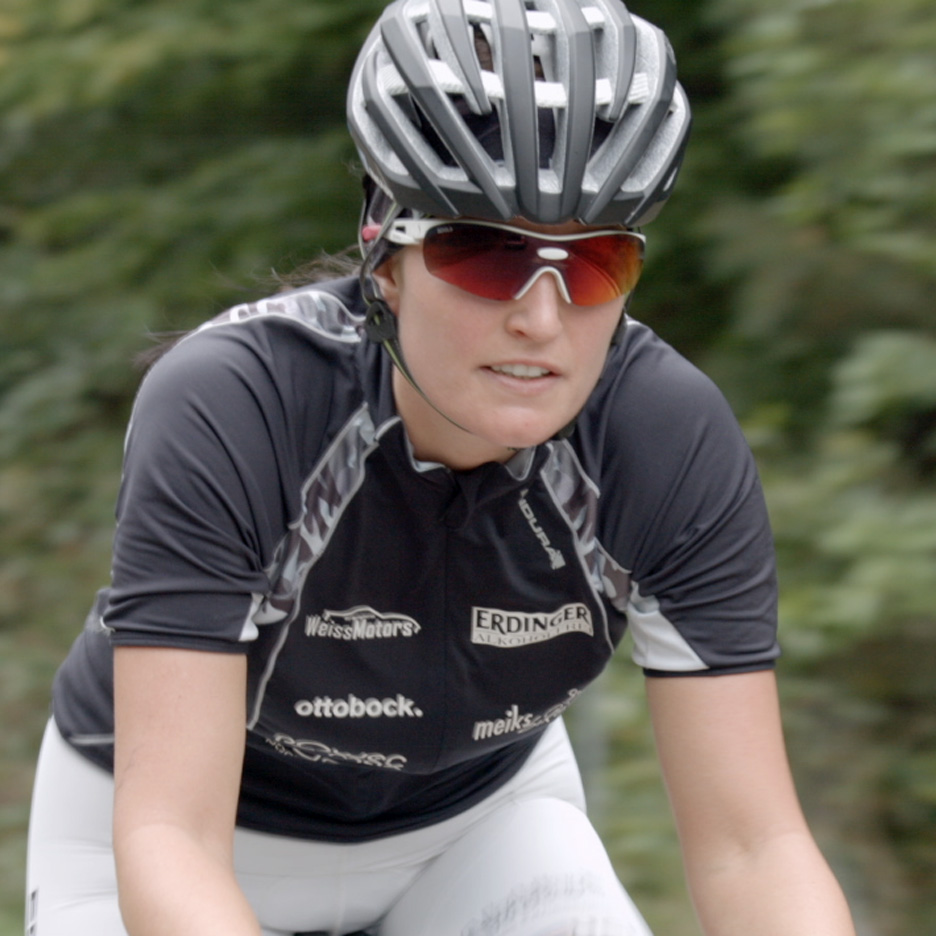 "Denise Schindler aims to become ""world's first"" paralympic cyclist to use fully 3D-printed prothesis"