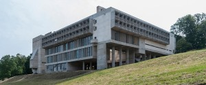 dominican-monastery-of-la-tourette-le-corbusier-near-lyon-france-unesco_dezeen_rhs