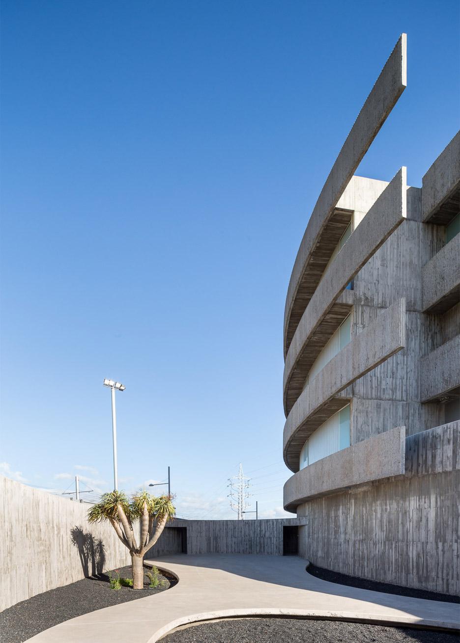 Faculty of Fine Arts, University of La Laguna by GPY Arquitectos