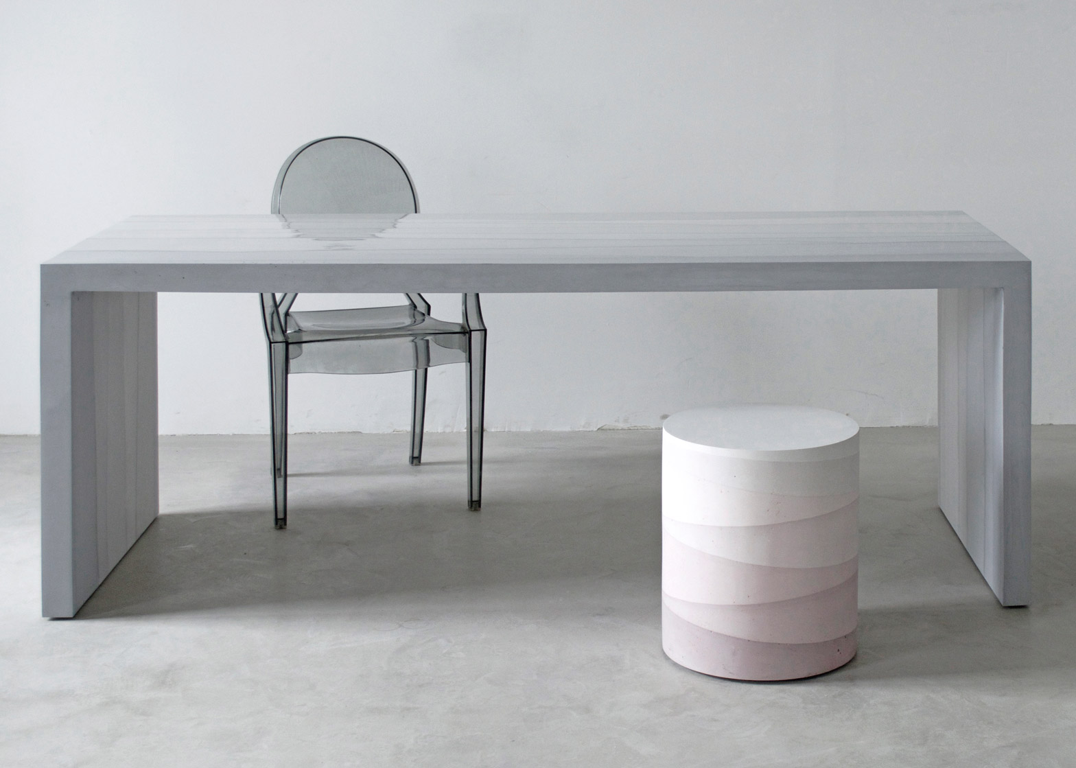 New Design Furniture Fernando Mastrangelo Casts Fade Furniture From Dyed Cement