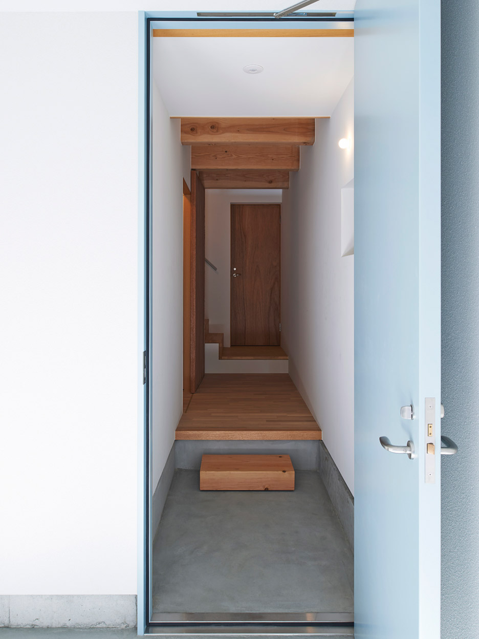 Gandare residential project by Ninkipen! architecture in Osaka