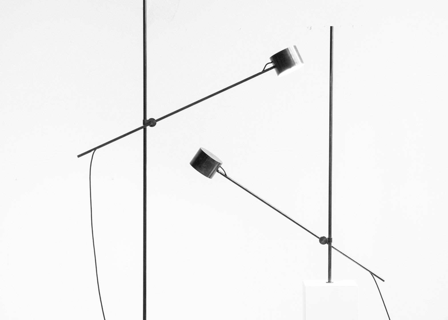 Kneip S Gauge Lamp Can Be Pivoted And Rotated