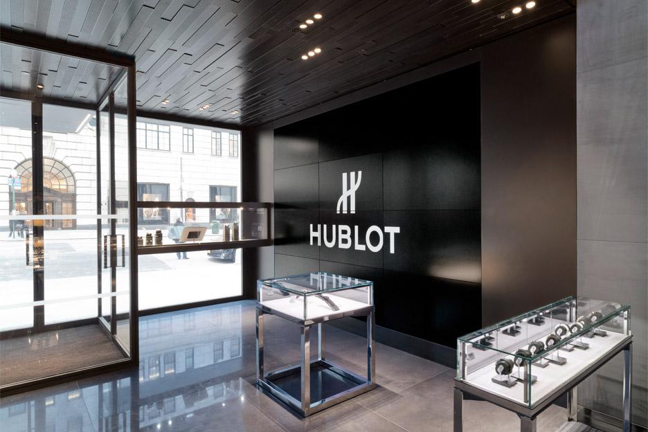 Peter Marino clads Hublot store in black metal panels