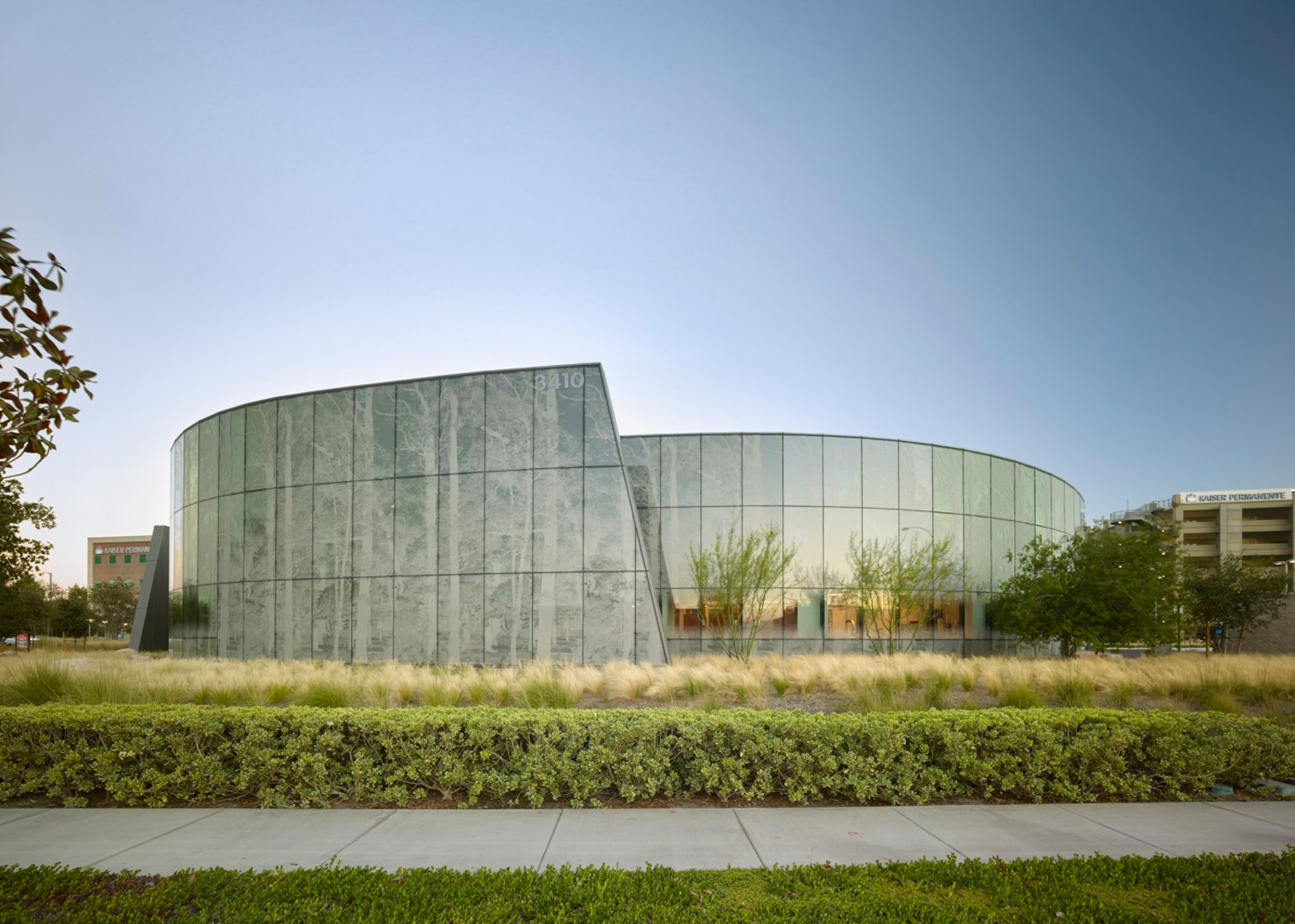 Kraemer Radiation Oncology Center by Yazdani Studio