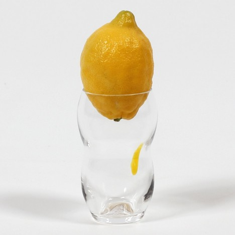 lemonade-glass-max-lamb-makers-and-brothers-product-glassware-design-form-product-images_dezeen_936_0
